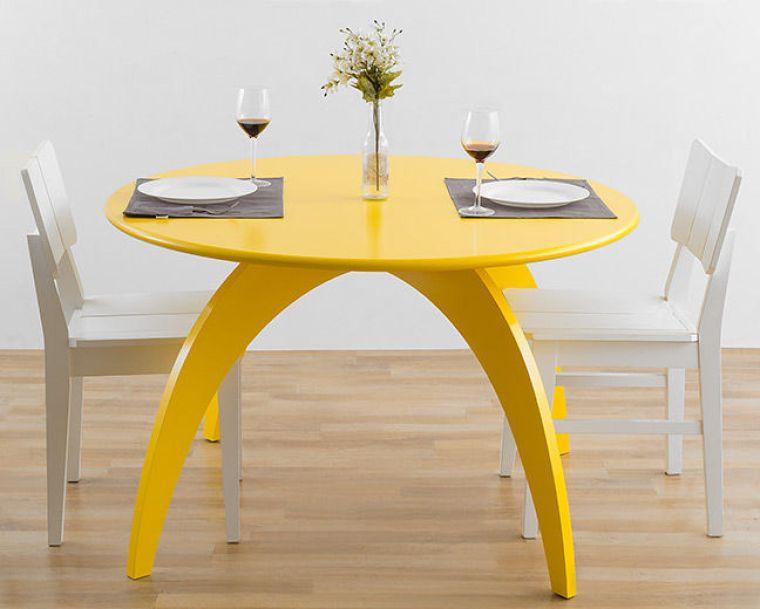 mesa redonda amarela